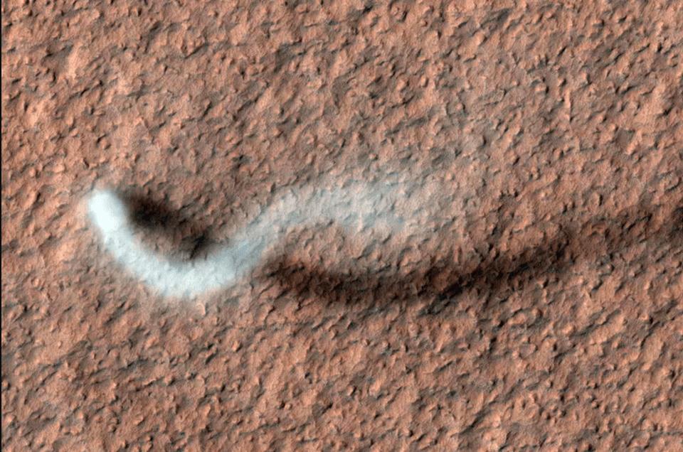 Screen Shot 2020 08 14 at 10.59.40 AM ناسا گزیده ای از عکس های کاوشگر مریخ طی ۱۵ سال اخیر را منتشر کرد اخبار IT