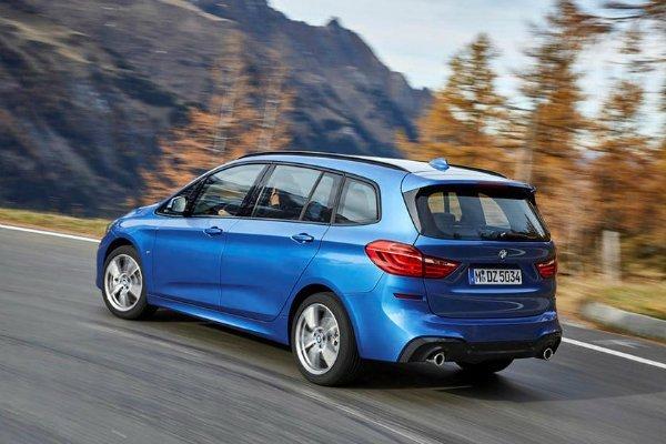 BMW 2 Series Active Tourer 1 با جنجالیترین محصولات بامو آشنا شوید؛ از سری 2 اکتیو تورر تا کفش دلقک! اخبار IT
