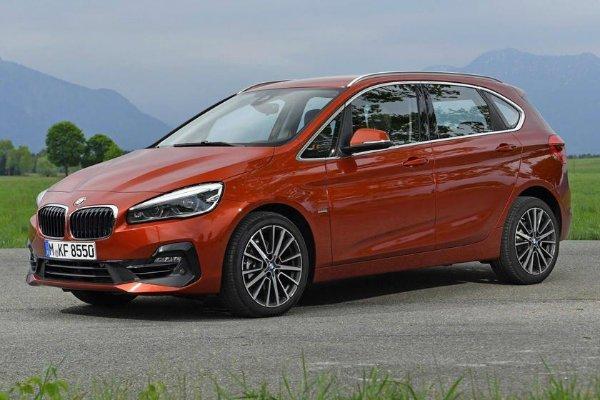 BMW 2 Series Active Tourer 2 با جنجالیترین محصولات بامو آشنا شوید؛ از سری 2 اکتیو تورر تا کفش دلقک! اخبار IT