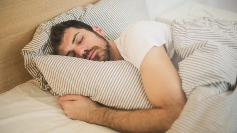 توسعه سیستمی که حالت خواب را با سیگنالهای رادیویی ردیابی میکند