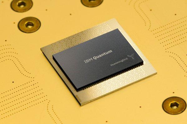 IBM در پی عرضه سیستم کوانتومی ۱۱۲۱ کیوبیت در ۲۰۲۳ است
