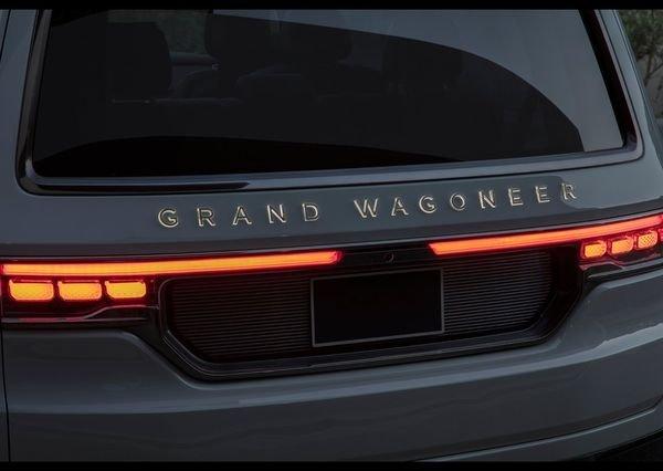 Jeep Grand Wagoneer Concept 2020 1 نگاهی به مشخصات کانسپت جیپ گرند واگنیر با هفت نمایشگر داخلی و فنربندی بادی اخبار IT