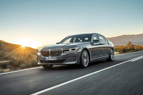Present BMW 7 Series Facelift 2 با جنجالیترین محصولات بامو آشنا شوید؛ از سری 2 اکتیو تورر تا کفش دلقک! اخبار IT