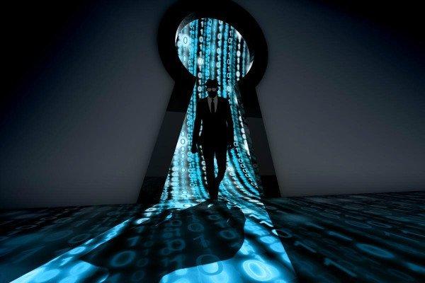 cso nw black hat hacker entering keyhole in binary room by beebright gettyimages 531249946 2400x1600 100802504 large w600 امنیت به زبان ساده: هکرهای کلاه مشکی اخبار IT