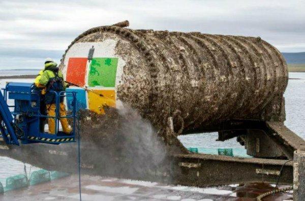 استخراج دیتاسنتر زیرآبی مایکروسافت از اعماق دریا پس از ۲ سال [تماشا کنید]