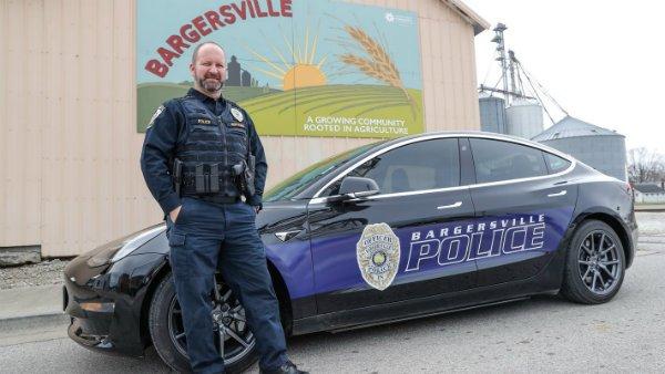 Bargersville Police Tesla Model 3 1 تسلا مدل 3 به جای دوج چارجر؛ 7000 دلار صرفه جویی در هزینههای پلیس آمریکا اخبار IT