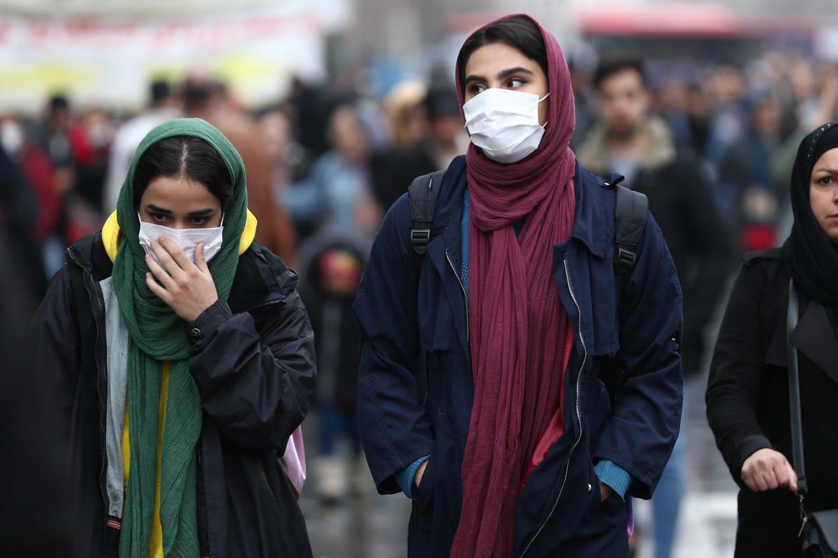 Iran Coronavirus 1700092151 1584528841 جریمههای کرونایی دولت برای شهروندان؛ از ۵۰ هزار تا ۲۰۰ هزار تومان اخبار IT