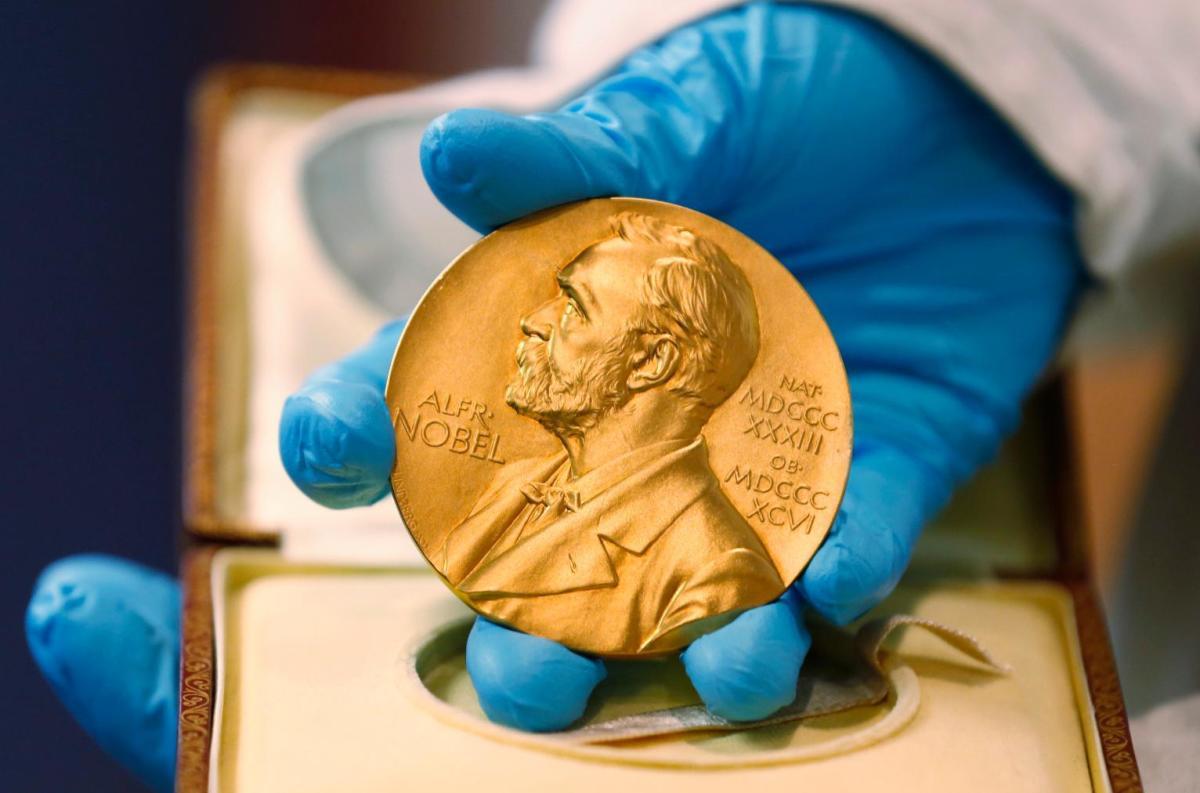 نوبل فیزیک ۲۰۲۱ به سه دانشمند برای بررسی سیستمهای فیزیکی پیچیده تعلق گرفت
