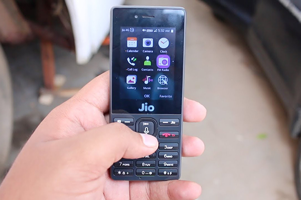 Report India could get a sub 40 5G smartphone soon هند احتمالا به زودی از گوشی 5G با قیمت زیر ۴۰ دلار رونمایی میکند اخبار IT