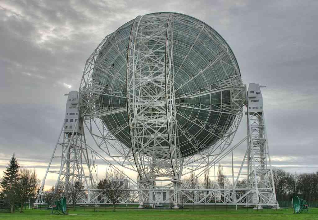 fhfxsldjuw 1603630432 شبکه 4G ماه احتمالا روی عملکرد تلسکوپهای رادیویی زمین اثر منفی میگذارد اخبار IT