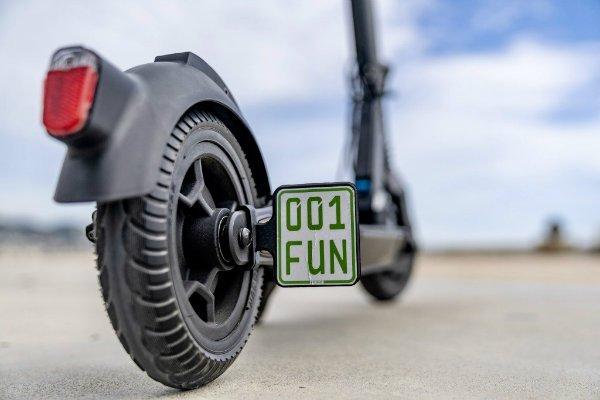 mercedes benz eq e scooter rolls out with 25 kilometer range 1 اسکوتر برقی مرسدس بنز EQ معرفی شد؛ محصول مشترک آلمان و سوئیس اخبار IT