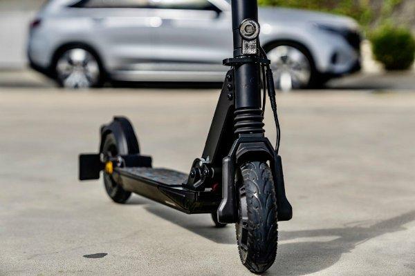 mercedes benz eq e scooter rolls out with 25 kilometer range 5 اسکوتر برقی مرسدس بنز EQ معرفی شد؛ محصول مشترک آلمان و سوئیس اخبار IT