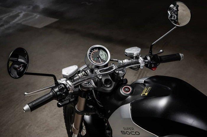 supersocotcmax3 5 بررسی موتورسیکلت برقی سوپر سوکو TC؛ تکنولوژی مدرن با ظاهر کلاسیک اخبار IT