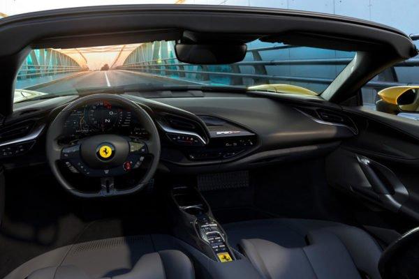 09 sf90 spider interior 600x400 فراری SF90 Spider با 986 اسب بخار قدرت رسما معرفی شد اخبار IT