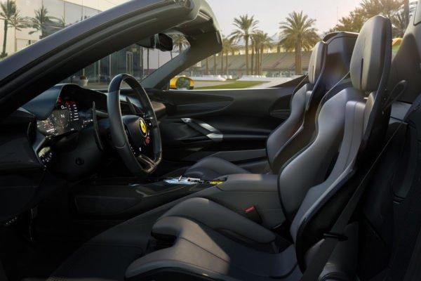 10 sf90 spider interior side 600x400 فراری SF90 Spider با 986 اسب بخار قدرت رسما معرفی شد اخبار IT