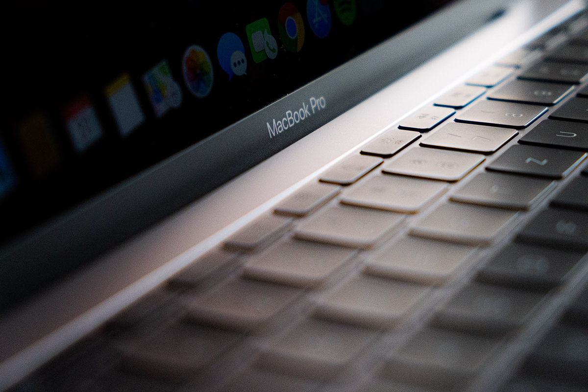 154475 homepage news apple to launch macbooks with own chips next week image1 vdtjedopu5 اپل تاریخ رویداد One More Thing را اعلام کرد؛ مک مبتنی بر ARM در آستانه معرفی اخبار IT