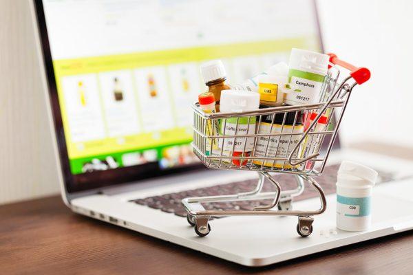 اتحادیه کسبوکارهای مجازی خواستار رفع محدودیت فروش آنلاین داروی بینسخه شد