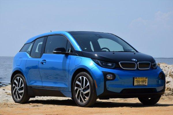 2017 bmw i3 rex range extended electric car photo chris neff 100622579 l حضور خودروهای برقی در رالی داکار؛ برنامه آئودی برای سال 2022 اخبار IT
