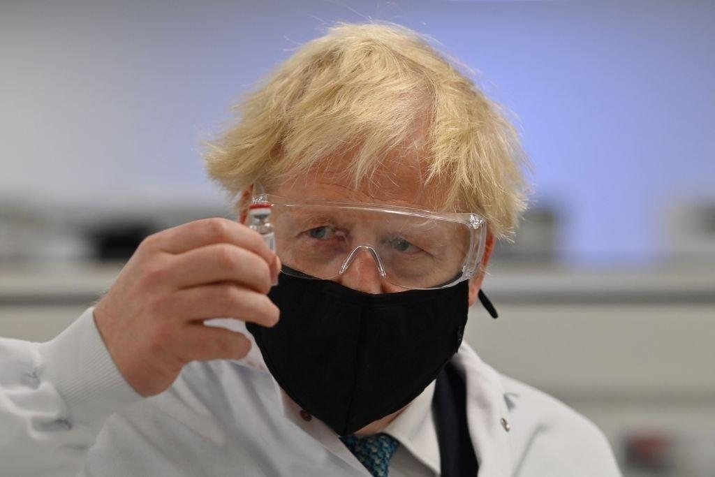 انگلستان مجوز استفاده از واکسن کرونا آسترازنکا را صادر کرد