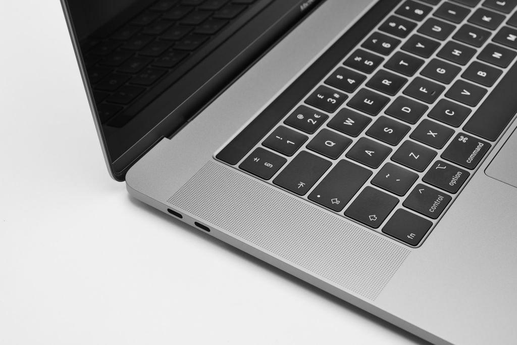 اپل در فکر ساخت کیبورد مک با کلیدهای مجهز به نمایشگر است