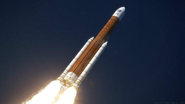 بویینگ چطور قدرتمندترین موشک برای ارسال بشر به اعماق فضا را میسازد؟