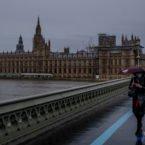 گونه جدید ویروس کرونا ۱۶ میلیون نفر را در بریتانیا خانهنشین کرد