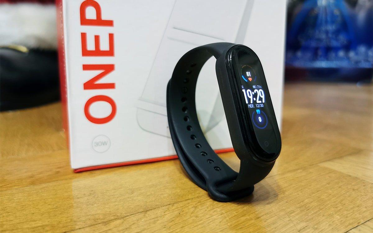 وان پلاس با معرفی یک دستبند اقتصادی وارد بازار پوشیدنیهای هوشمند میشود