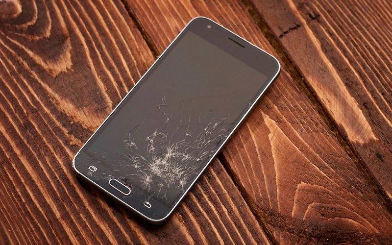 cracked galaxy screen توسعه نمایشگر موبایل با قابلیت ترمیم خودکار ترک و خش در چند دقیقه اخبار IT