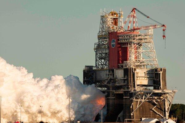 آزمایش راکت SLS ناسا با شکست همراه شد [تماشا کنید]