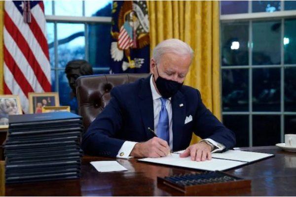 بایدن فرمان بازگشت آمریکا به معاهده اقلیمی پاریس و سازمان جهانی بهداشت را صادر کرد