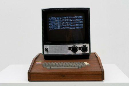 کامپیوتر Apple I ساخت جابز و وزنیاک با قیمت ۱.۵ میلیون دلار به فروش گذاشته شد