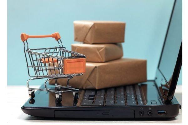 فروش بیشتر در روزهای کرونایی با فروشگاه ساز بیدک