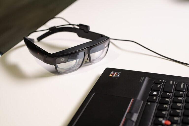 لنوو از عینک هوشمند ThinkReality A3 با قابلیت ترسیم ۵ نمایشگر مجازی رونمایی کرد