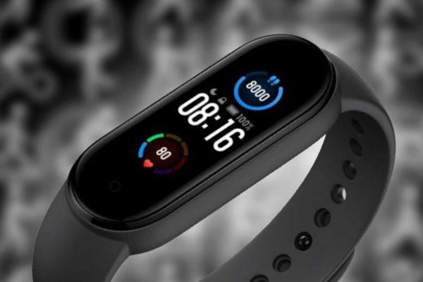 شیائومی می بند ۶ با پشتیبانی از دستیار صوتی الکسا و GPS از راه میرسد