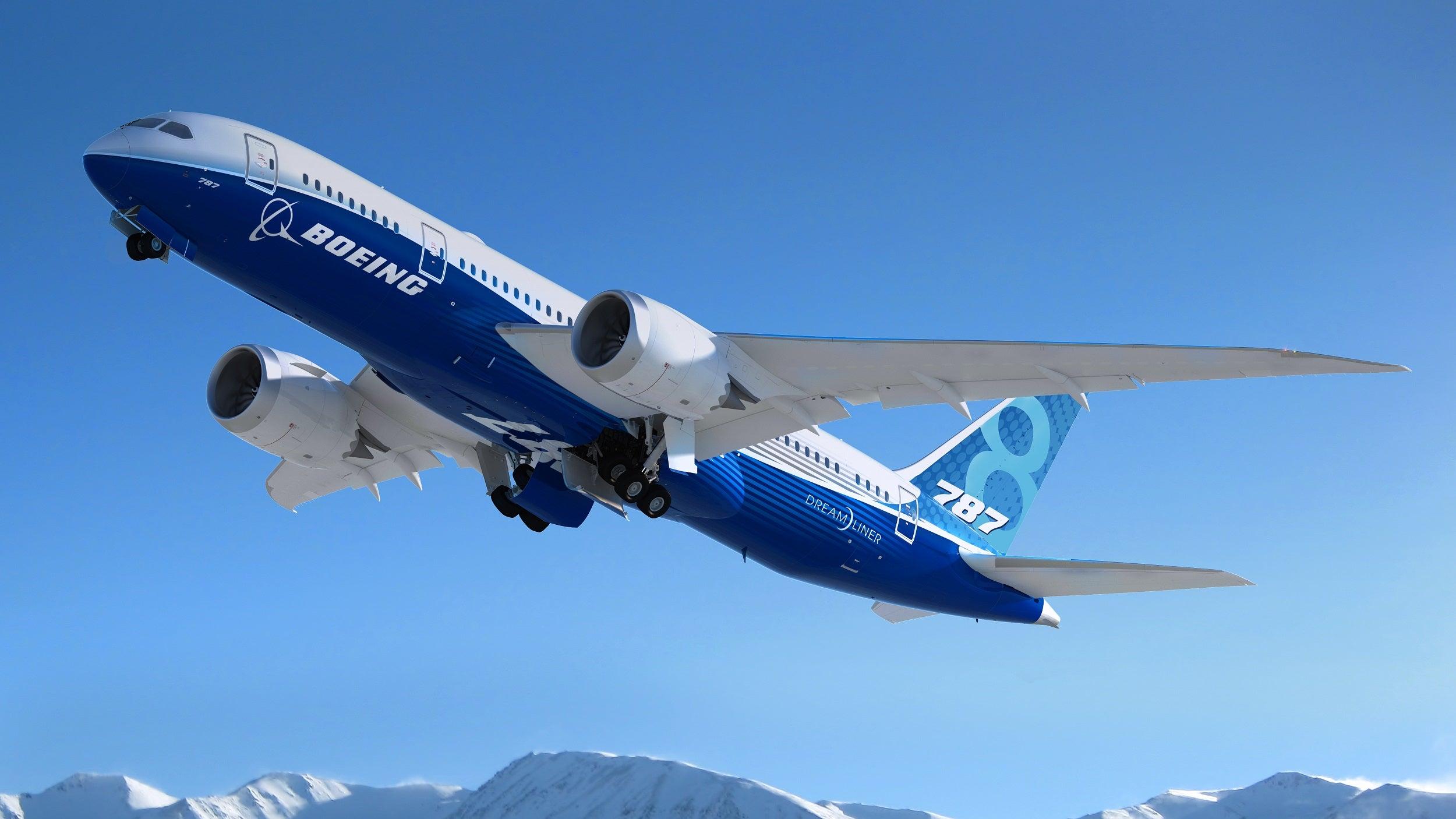 تمام هواپیماهای بوئینگ تا سال ۲۰۳۰ بطور ۱۰۰ درصد با سوختهای پایدار پرواز میکنند