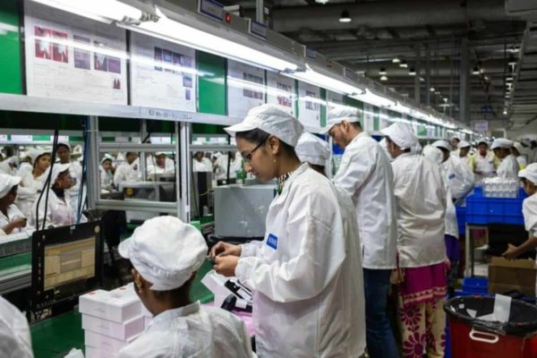 اپل به خارج کردن خطوط تولید از چین شتاب میبخشد؛ تولید آیفون ۱۲ در هند