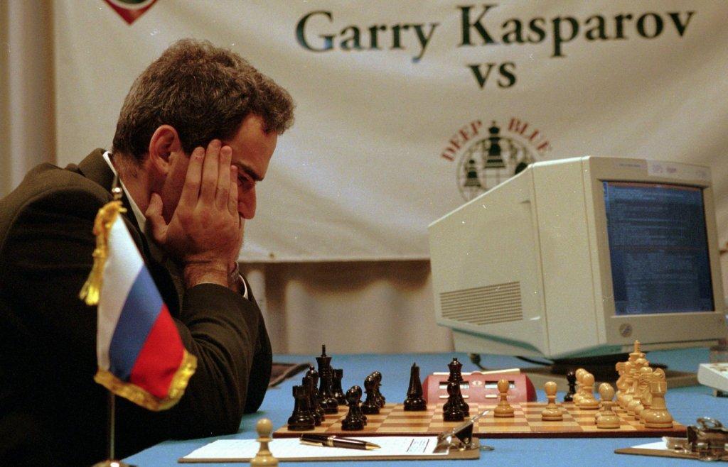 garry kasparov deep blue ibm w1200 ۷ داستان از زمانی که هوش مصنوعی، نوع بشر را شکست داد اخبار IT