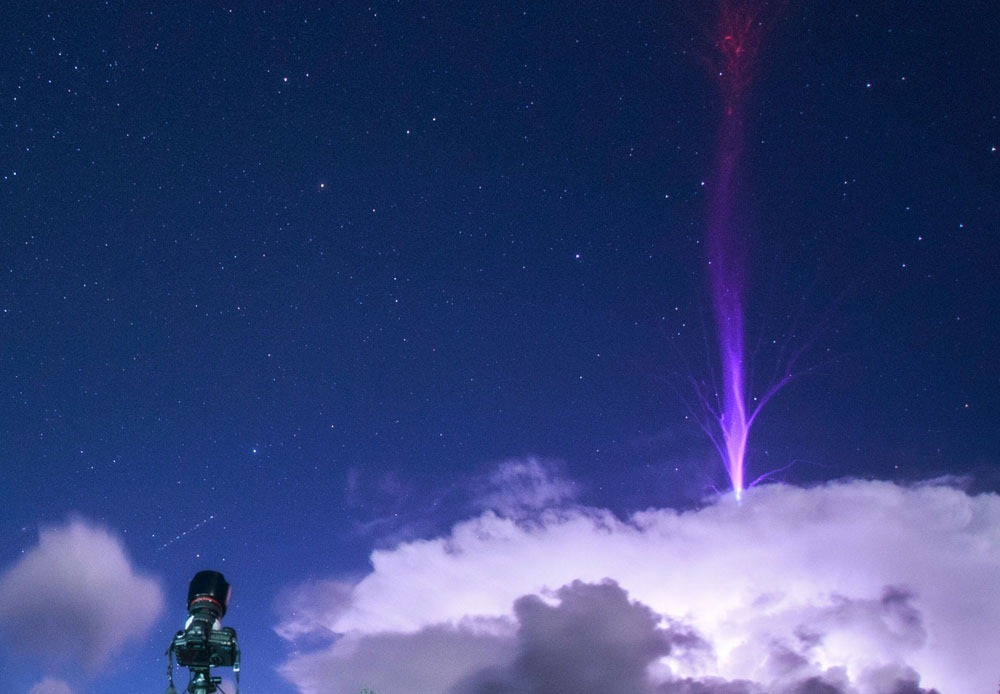 gigantic jets 13 حسگرهای ایستگاه فضایی منبع «جتهای آبی» را پیدا کردند اخبار IT