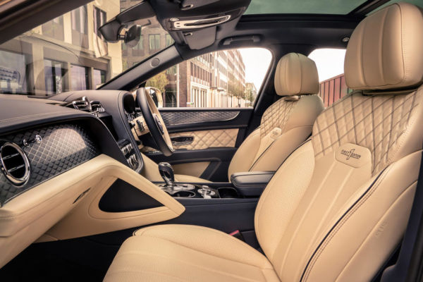 new bentayga hybrid   17 600x400 بنتلی بنتایگا هیبرید، فیس لیفت جدید برای لوکس ترین SUV هیبریدی بازار رسما معرفی شد اخبار IT