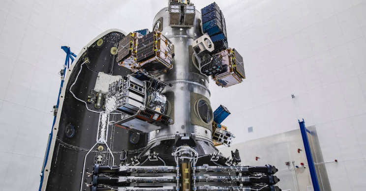 rideshare with starlink satellites resize md ۱۰ ماهواره استارلینک با فناوری لیزری در مدار قطبی با یکدیگر در ارتباط خواهند بود اخبار IT