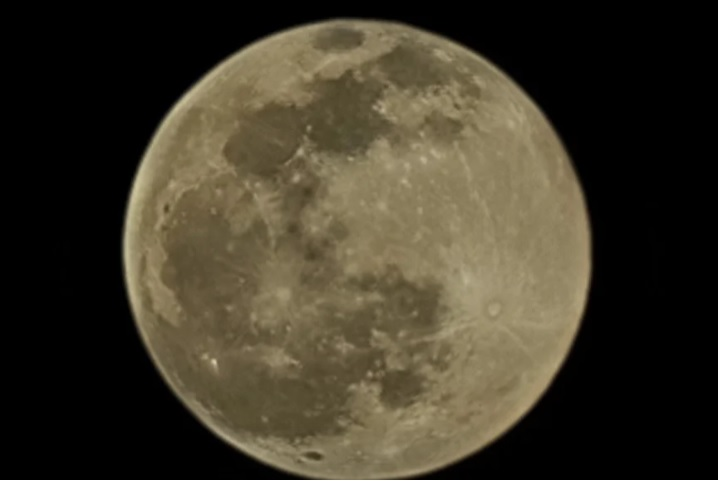 عکس گرفته شده از ماه با گوشی سامسونگ