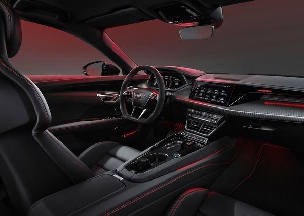 Audi RS e tron GT 2022 16 آئودی e tron GT با طراحی خیرهکننده معرفی شد؛ همزاد پورشه تایکان، رقیب تسلا مدل S اخبار IT