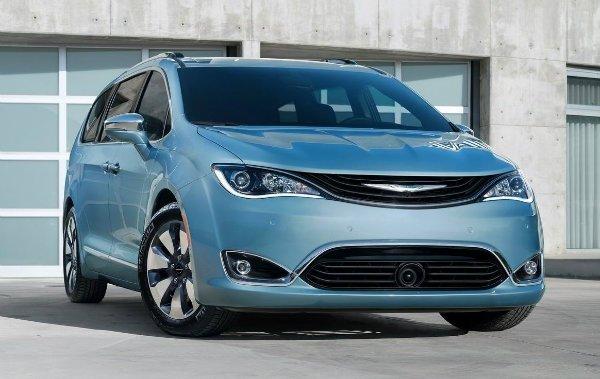 Chrysler Pacifica 2017 بازگشت پژو به آمریکا فعلا منتفی است، استلانتیس بر احیای برند کرایسلر تمرکز میکند اخبار IT