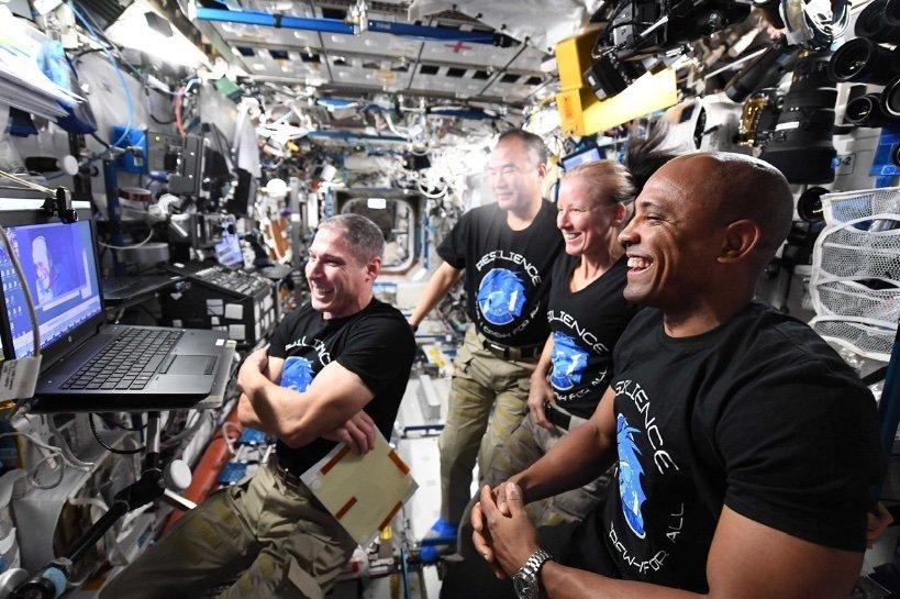 EtprdopXAAEsjqo فضانوردان ماموریت Crew 1 اسپیس ایکس رکوردشکنی کردند اخبار IT