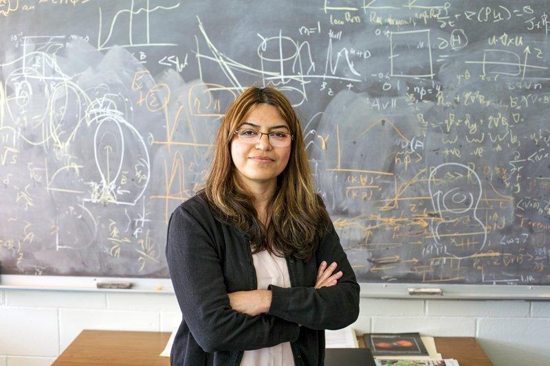 Fatima Ebrahimi فیزیکدان ایرانیالاصل با الهام از شرارههای خورشیدی راکت فضایی طراحی کرد اخبار IT