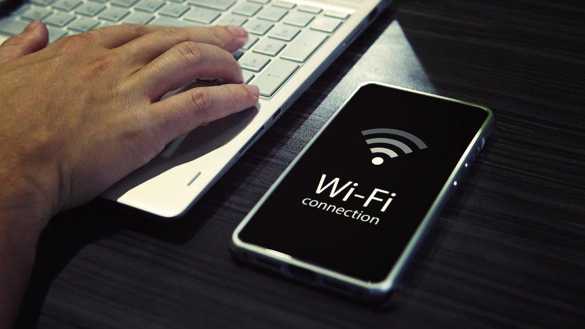 شبکه وای فای خود را چگونه مخفی کنیم؟