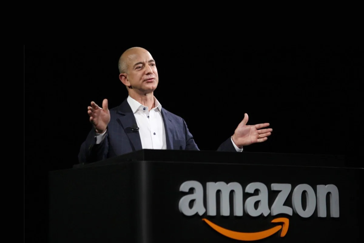Jeff Bezos 2 جف بزوس از مدیرعاملی آمازون کنارهگیری میکند اخبار IT