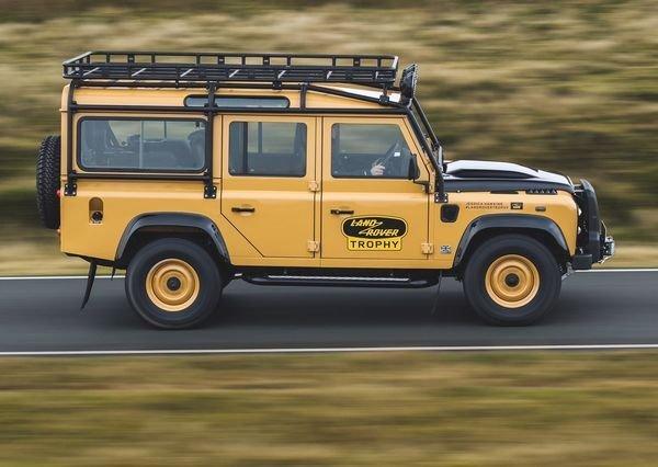 Land Rover Defender Works V8 Trophy 2021 10 لندرور دیفندر Works V8 Trophy معرفی شد؛ یک نسخه هیجانانگیز برای علاقهمندان آفرود اخبار IT