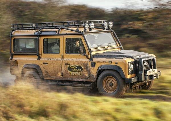 Land Rover Defender Works V8 Trophy 2021 5 لندرور دیفندر Works V8 Trophy معرفی شد؛ یک نسخه هیجانانگیز برای علاقهمندان آفرود اخبار IT