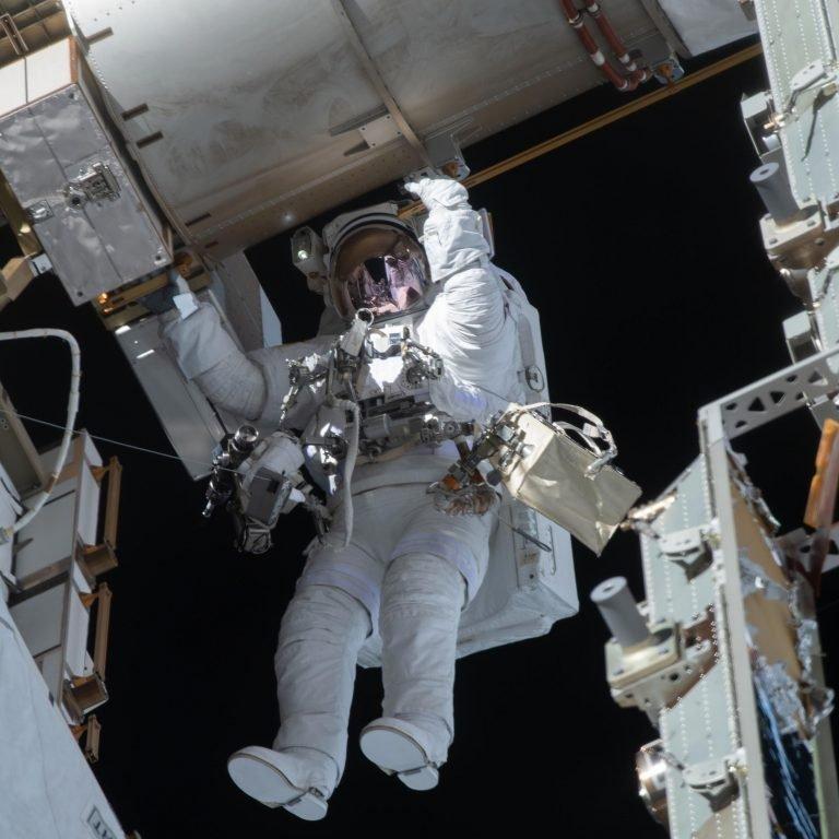 NASA Spacewalker Victor Glover 768x768 ماموریت ارتقا باتریهای ایستگاه فضایی بینالمللی پس از چهار سال پایان یافت اخبار IT